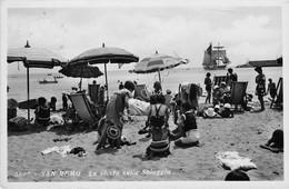 Cartolina San Remo Spiaggia Animata 1951 TIMBRO ESTATE A SANREMO - Imperia