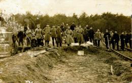 13931 - Militaria -  Chemin De Fer - Train -  Refection Des Voies Aprés Un Accident ?  Circulée En 1916  Voir Au Dos ?? - Guerre 1914-18