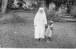 AFRIQUE NOIRE - GUINEE Missions Des Soeurs De La Sainte Famille De La Délivrance - CPSM Dentelée N/B Format CPA - Africa - Guinée Française