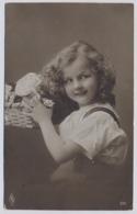 Belle Fille Fillette   1907y. Little Girl Mädchen   D050 - Portraits