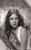 Dorothy Janis PHOTO POSTCARD - Mujeres Famosas