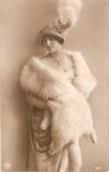 """""""Elegant Lady In Fur Coat. Fantasy Hat"""" Nice Antique  French Postcard - Femmes"""