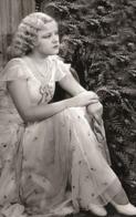 Gertrude Messinger  PHOTO POSTCARD - Mujeres Famosas