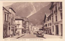 CPA :  14 X 9  -  25437 C  CHAMONIX-MONT-BLANC.  -  AVENUE  DE  LA  GARE - Chamonix-Mont-Blanc