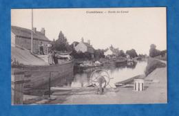 CPA - COMBLOUX - Famille Sur Leur Péniche - Bateau - Canal - Batellerie - Ecluse ? - Métier - Boat Ship - Hausboote