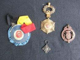 "LOT 3 MéDAILLES + 1 RUBAN? (V1926) UBSSA PAUL FISCH + PRO ECCLESIA ET PONTIFICE Diminutif + 1 + 1 ""Ruban Belg"" (9 Vues) - Medailles & Militaire Decoraties"