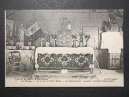 80 - Albert - CPA - La Baraque - La Statue De Notre - Dame - Le Maître D'Autel , à Gauche L'Autel De Saint - Joseph N°1 - Albert