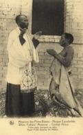 Missions Des Pères Blancs Afrique Equatoriale Pretre Nègre Bénissant Sa Mère  RV - Oeganda