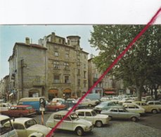 CP 07-  AUBENAS EN VIVARAIS    -   DIVERSES AUTOMOBILES Devant La Cité Féodale - PKW