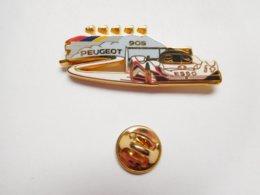 Superbe Pin's En Zamac , Auto Peugeot 905 , Sport Proto , Le Mans , Arthus Bertrand - Peugeot