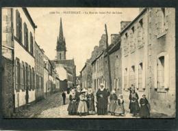 CPA - PLOUESCAT - La Rue De Saint Pol De Léon, Très Animé - Plouescat