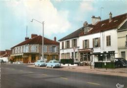 MONTLHERY ROUTE D'ORLEANS  AVEC VIEILLES AUTOS DEVANT LE TABAC - Montlhery