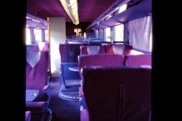 Photo Diapo Diapositive Slide Wagon Voitures Nouveaux Trains SNCF Intérieur 1ère Classe Le 21/06/2000 VOIR ZOOM - Dias