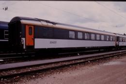 Photo Diapo Diapositive Slide Wagon Voiture Spéciale SNCF Le 22/06/2000 VOIR ZOOM - Dias