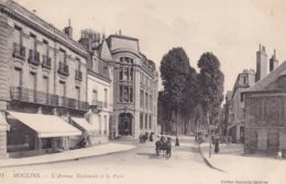 Moulins L'avenue Nationale Et La Poste - Moulins