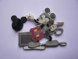 Big Pin S  DISNEY  4,5 X 4 Cm  Tbq - Disney