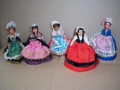 Poupée Folklorique De Région PETITCOLLIN Lot De 5 Poupées  PLASTIQUE - Dolls