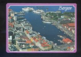 Bergen. Foto: Lotvedt. Nueva.  Esquinas Recortadas. - Noruega