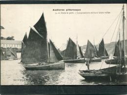 CPA - AUDIERNE - Dans Le Port - Langoustiers Séchant Leurs Voiles, Animé - Audierne
