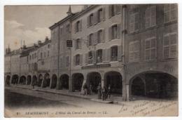 88-REMIREMONT-L'Hôtel Du Cheval De Bronze- Personnages Devant Les Arcades-CPA - Remiremont