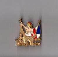 Pin's Armée / Paris Libéré 1944 1994 (signé Ballard Doré à L'or Fin) Hauteur: 3,8 Cm - Militaria