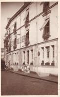"""49 . PHOTO CARTE. PHOTOGRAPHIE """"  THIEULIN """" ANGERS. HOTEL DE LA CROIX DE GUERRE. ANIMATION. LIEU A DEFINIR - Orte"""