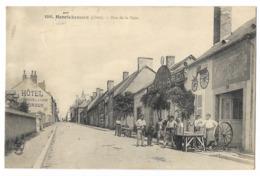 CPA 18 HENRICHEMONT Rue De La Gare -  Maison FOUCHARD Automobiles Cycles - Henrichemont