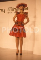 C 1990 SEXY FEMME GIRL MODEL FASHION MODELO MODA LISBOA PORTUGAL 35mm DIAPOSITIVE SLIDE NO PHOTO FOTO B4893 - Dias
