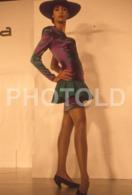C 1990 SEXY FEMME GIRL MODEL FASHION MODELO MODA LISBOA PORTUGAL 35mm DIAPOSITIVE SLIDE NO PHOTO FOTO B4899 - Dias