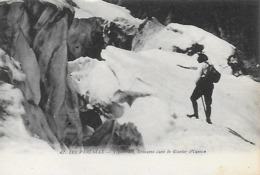 65)   VIGNEMALE  - Crevasse Dans Le Glacier D' Ossoue - France