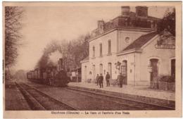 GUITRES  - La Gare Et L'arrivée D'un Train - Andere Gemeenten