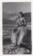 Hawaii Lot Of 4 C1940s Vintage Photographs 'Hula Girls' Women Dance Play Ukelele Pose In Hula Dance Fashion - Etnica & Cultura