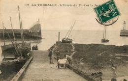 La Turballe - L'Entrée Du Port Et La Jetée - Bateaux De Pêche Et Pêcheurs - Belle Animation - La Turballe