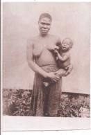 Carte-Photo - Afrique Du Sud - Mère Allaitant Son Bébé - Sud Africa