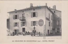CARTE POSTALE   AU DEJEUNER DE SOUSCEYRAC 46  Hôtel Prunet - France