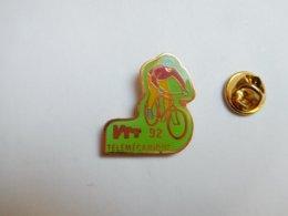 Beau Pin's , Cyclisme Vélo , VTT Télémécanique 92 ; Schneider Electric - Wielrennen