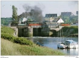 CHEMIN DE FER DE LA BAIE DE SOMME - GARE DE ST VALERY  Le Petit Train Du Canal De La Somme Sur Le Pont Tournant - Trains