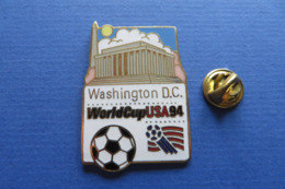 2 Pin's,Sport,WORLD CUP USA 94,WASHINGTON D.C.,DALLAS,mascotte,ball,soccer,ville,monument - Fussball