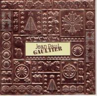 Superbe Et Rare Carte Gaufrée De NOEL Jean-Paul GAULTIER Sur  Carton Dur De 14 X 14 Cm - Cartes Parfumées