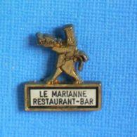1 PIN'S //   ** LE MARIANNE / RESTAURANT-/ BAR ** . (Dépose France) - Levensmiddelen