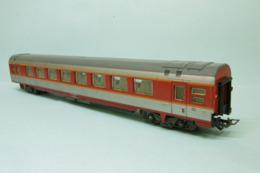 Jouef - Voiture GC GRAND CONFORT Capitole 1ère Classe A8u SNCF HO 1/87 - Passagierwagen