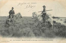 EN CAMARGUE - Manade Combet, Au Sauvage, Le Jeune Ganadero Granon. - Otros Municipios