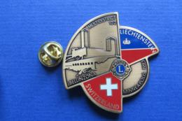 Grand Pin's,LIONS CLUB,MULTIDISTRICT,LIECHTENSTEIN,BELLINZONA,MINNEAPOLIS,SUISSE 1993 - Associations