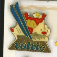 N# - PIN'S:  VOLVIC SKI - Levensmiddelen