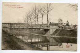 51 LA CHAUSSEE Le Pont De Fer Enjambant Le Canal  Lavandiere Au Travail   Coll Garnier  écrite Du Village    D17 2019 - France