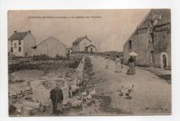 - CPA LE BOURG-DE-BATZ (44) - Le Chemin Aux Violettes (avec Personnages) - - Batz-sur-Mer (Bourg De B.)