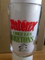 Verre à Moutarde Asterix Chez Les Bretons 2012 Asterix Obelix Idefix Et Jolithorax 2 Scans - Bicchieri