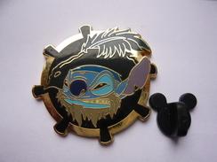 Big Pin DISNEY STITCH 4 X 4 Cm  Tbq - Disney