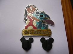 Big Pin S DISNEY LILO STITCH 4,5 X 4 Cm 2 Attaches Tbq - Disney