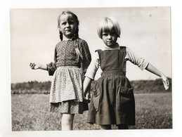 F6173/ Zwei Mädchen Schönes Foto Ca.1955-600 24 X 18 Cm - Oude Documenten